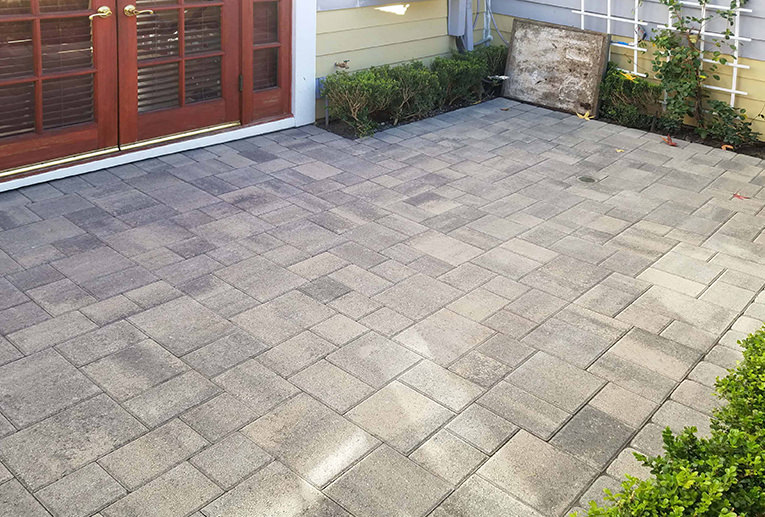 Gray-Charcoal Courtyard Patio